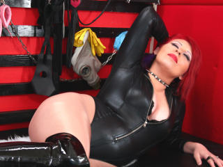 IOwnYouNow - Sexy live show with sex cam on XloveCam