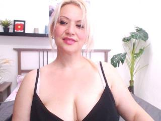 EroticSarahForU - Sexy live show with sex cam on XloveCam
