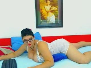 ChaudeMaya - Sexy live show with sex cam on XloveCam