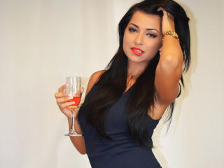 CheekyBabe - Sexy live show with sex cam on XloveCam