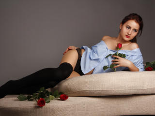 KloeLove - Sexy live show with sex cam on XloveCam®