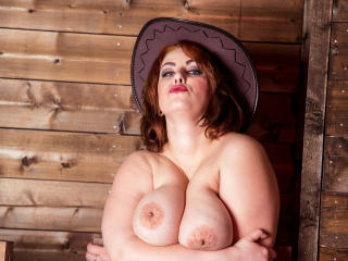 IngridFlower - Sexy live show with sex cam on XloveCam®