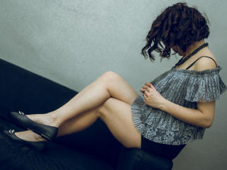 SophiaGreens - Chat live hot with this shaved intimate parts Girl