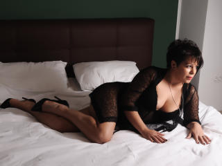 Syllvie - Show sexy et webcam hard sex en direct sur XloveCam®