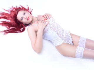 SaraLongLegs - Sexy live show with sex cam on XloveCam®