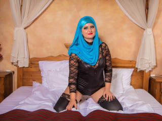Asira - chat online hard with a arab Hot babe