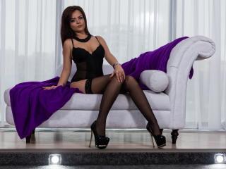Sexy nude photo of AmiraJade69