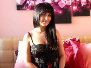 TessaPosh girl naked on webcam