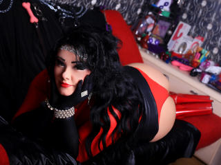 SensualSwitchForYou - chat online exciting with this shaved intimate parts Dominatrix