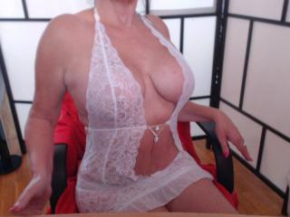 Aubade - Show sexy et webcam hard sex en direct sur XloveCam®