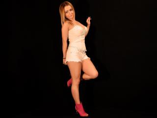 Sexy nude photo of YummyEva