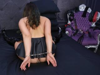 HornyFetishMia - Sexy live show with sex cam on XloveCam®