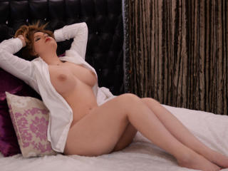 RoseAmellye - Sexy live show with sex cam on XloveCam®
