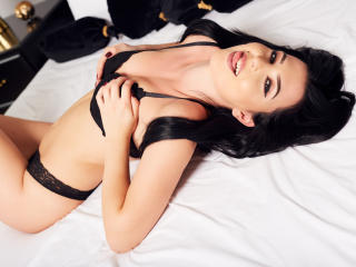 MayaReed - Sexy live show with sex cam on XloveCam®
