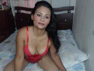 HornySayra - Show sexy et webcam hard sex en direct sur XloveCam®
