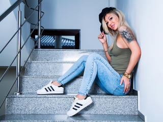 SpicyAlicia - online show sex with a athletic body Sexy girl