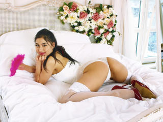 ArabianHottieOne - Chat cam hard with this portly Young lady