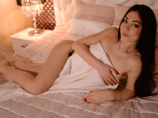 SaraGisella - Sexy live show with sex cam on XloveCam®