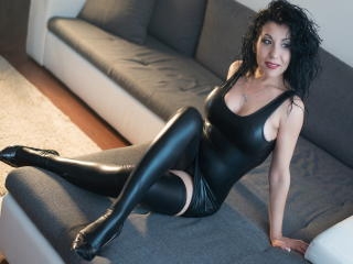 BigClitMILF - Sexy live show with sex cam on XloveCam®