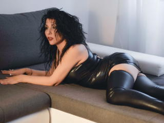 BigClitMILF - Cam exciting with this dark hair Mature