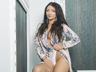 BelleGlorya - Show sexy et webcam hard sex en direct sur XloveCam®