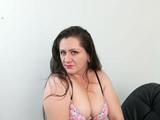 KyaraLatinGirl - Sexy live show with sex cam on XloveCam®