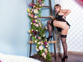 Sexy nude photo of BlondSexyMature