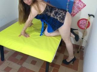 LettySensuale - Sexy live show with sex cam on XloveCam®
