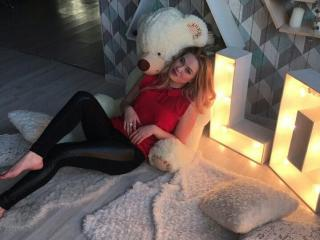 JacquelineSol - Chat cam hot with a European Young lady