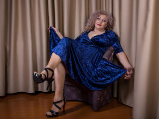 MatureEroticForYou - Live cam hard with this shaved genital area Lady over 35