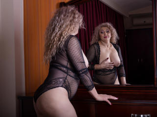 MatureEroticForYou - Chat cam sex with this bubbielicious Mature
