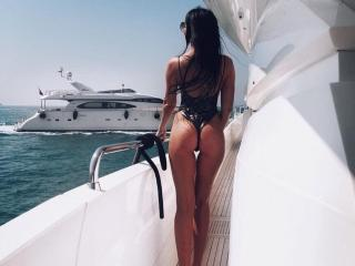 Sexy nude photo of MistressMolly