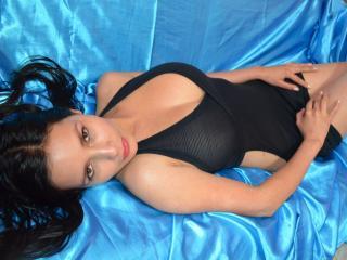 Lady69Sexy girlonguy/live toys on cam