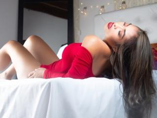 DarrenHottie - Show live exciting with a shaved sexual organ Young and sexy lady