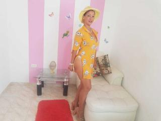 MatureMelanie - Chat live hot with a latin american MILF