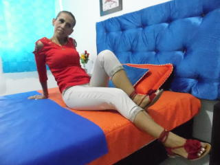 KrytalMature - Webcam hard with a athletic build MILF