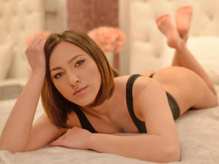 ValentynaAlya - Chat live hot with this chestnut hair Hot chicks