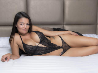 VeronicSaenz - online chat sex with a shaved pussy Hot chicks