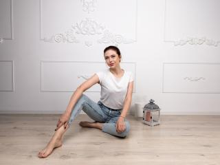 MelanieEvans model