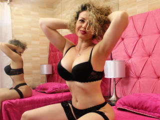 Kattalina - Video chat x with this latin american Attractive woman