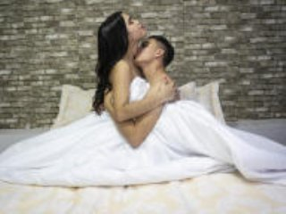 RianaNDrain - Chat cam hot with a Female and male couple