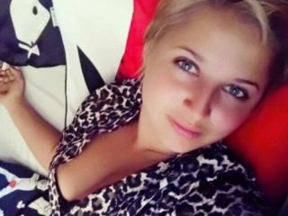 LaraSexy69 - Live cam hard with a shaved private part X young lady