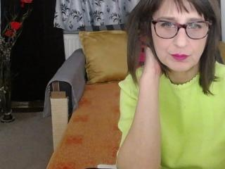 WillingAlanna - chat online xXx with this brown hair Sexy mother