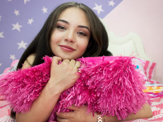 EmmaVitali - Live xXx with a reddish-brown hair Exciting 18+ teen woman