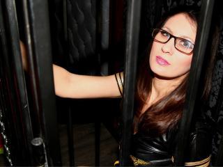 Photo de profil sexy du modèle SinfulSwitchForU, pour un live show webcam très hot !