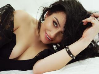 Foto del profilo sexy della modella ChiaraBlack, per uno show live webcam molto piccante!