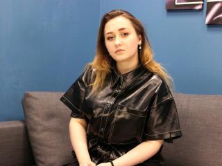 Foto del profilo sexy della modella MelanieDay, per uno show live webcam molto piccante!