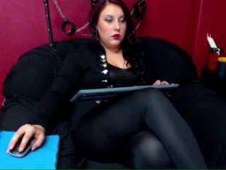 UrBBGirl模特的性感个人头像,邀请您观看热辣劲爆的实时摄像表演!