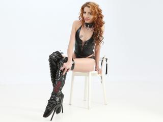 Photo de profil sexy du modèle YourFavoriteSwitch, pour un live show webcam très hot !