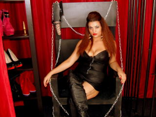 Picture of the sexy profile of MistressEloise, for a very hot webcam live show !